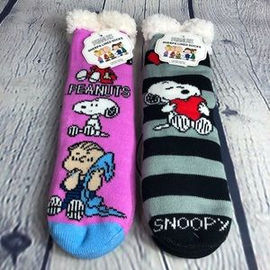 Peanuts Sherpa lined non skid socks. NWT